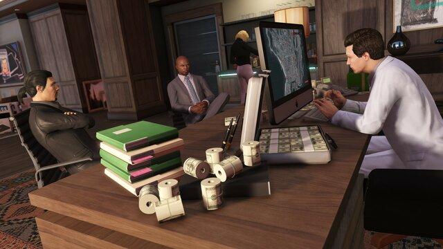 Grand Theft Auto V: Premium Online Edition & Great White Shark Card Bundle